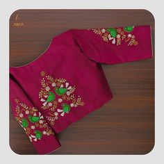 Delicate french knots in sequence zardosi thread cut bead and white pearls combine to form an eye catching piece. Blouse Designs High Neck, Simple Blouse Designs, Stylish Blouse Design, Fancy Blouse Designs, Bridal Blouse Designs, Pattu Saree Blouse Designs, Embroidery Neck Designs, Hand Embroidery, Designer Blouse Patterns