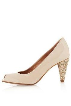 Wedding shoes - fine photo