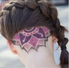 There are times in which we, as girls, feel the need to make a bold fashion statement; most of the time, we decide to get a different hairstyle. Nothing else ca