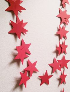 Star garland streamers, red, white, or blue paper, birthday party Reunion Decorations, Patriotic Decorations, Wedding Decorations, 4th Of July Party, Fourth Of July, Patriotic Room, July Wedding, Party Wedding, Crafts To Make