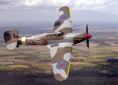 Good morning back to the archive today here is Hurricane PZ865 in 1 Sqn markings JX-E in 2004. Paul B