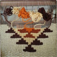 Wool Wall Hanging, Handmade Wall Hanging, Weaving Wall Hanging, Weaving Loom Diy, Weaving Art, Hand Weaving, Weaving Textiles, Weaving Patterns, Stitch Patterns