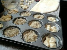 Feltaláltam a spanyolviaszt: aranygaluska muffinformában sütve – Mai Móni Muffin, Breakfast, Food, Morning Coffee, Muffins, Essen, Yemek, Morning Breakfast, Eten
