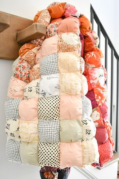 Quilting Tutorials, Quilting Projects, Sewing Projects, Diy Projects, Fabric Crafts, Sewing Crafts, Puff Quilt, Creation Couture, Cute Crafts