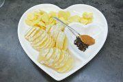 Zázračný zázvorový sirup s citronem a medem   Pleva Ginger Syrup, Ginger And Honey, Cinnamon Tea, Cinnamon Syrup, Lemon Juice Cleanse, Honey Cosmetics, Alzheimer's And Dementia, Wrinkled Skin