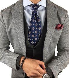 Beautiful blazer   Follow @alexandercaineuk for more style ideas  __________________________________ . . .  @classymen  #suitandtie #suitedup #suited #suits #suit #londonfashion #suitlover #suitup #suitstyle #suitedman #pocketsquare #suitswag #ss17 #suitselfie #mensfashion #menssuits #mensfashionpost #menstrend #mensapparel #fashionformen #fashionbag #highstreetfashion #alexandercaineuk #italiandesign #weddingsuit #rayyounis