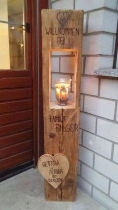 Holzlaterne mit gebranntem Text und Holzherz 120cm
