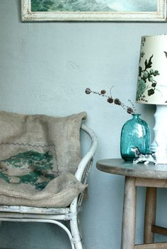 greeny blues from Norwegian Elle Decor - interesting pillows on settee Interior Blogs, Interior Exterior, Interior Inspiration, Interior Design, Elle Decor, Deco Pastel, Indian Summer, Home And Deco, My Living Room