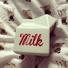 @jemmaamyb: New milk jug! Cute! Looking forward to using this with our lacto free milk! #milk #jug #home #kitchen #cute #sundayfunday #carton ...