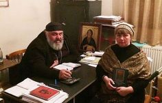 Кад му је било седамнаест година потоњи свештеник Симон Кикнавелидзе је стајао на балкону своје куће у Тбилисију. Изненада је видео како ...