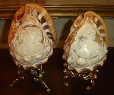 ANTIQUE-AMAZING!! PAIR CAMEO RELIEF CARVED CONCH SHELLS,PORTRAIT OF ROMAN LADIES