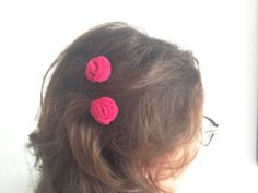 hot pink flower bobby pins  set of two by falibe on Etsy #italiasmartteam #etsyshop #etsy #shopping #giftidea @etsy