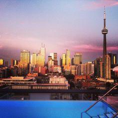 Thompson Toronto #sunsest @CN Tower / La Tour CN