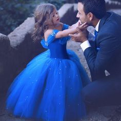 TOP Wedding Ideas From Said Mhamad Photography ★ top wedding idea spart 3 little girl and groom said mhamad photography Simple Flower Girl Dresses, Girls Blue Dress, Little Girl Dresses, Girls Pageant Dresses, Flower Girls, Prom Dresses, Said Mhamad Photography, Girl Photography, Photography Ideas