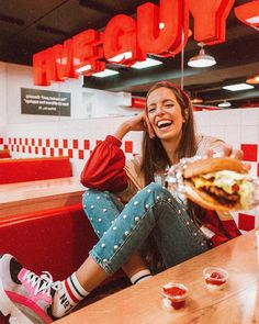When your friend says you can have a bite of their food, so you take the biggest bite humanly possible! Photography Words, Tumblr Photography, Lifestyle Photography, Photoshoot Themes, Photoshoot Inspiration, Vintage Senior Pictures, Selfies, Best Photo Poses, Retro Diner