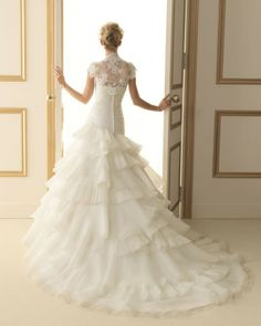 184 TROPICO / Wedding Dresses / 2013 Collection / Luna Novias / Shown with Jacket (back)