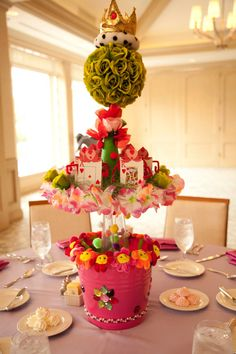 Alice in Wonderland QUEEN OF HEARTS Centerpiece