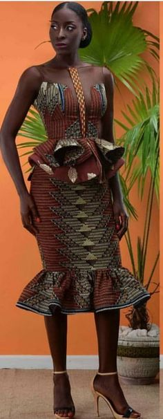 Beautiful Corporate Kente Attire For Damsels - Sisi Couture African Inspired Fashion, African Dresses For Women, African Print Dresses, African Print Fashion, African Attire, African Wear, African Fashion Dresses, Africa Fashion, African Women