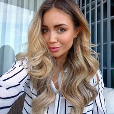 """The title of this post, """"brunette to blonde"""" is something I've googled so many times hoping for some inspiring images that would convince me to try going lighter. Whilst I love being a brunette, I'm sure a lot of you girls can sympathise with me when I say, it can get pretty boring!! So, I've..."""