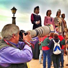 Alguns fotògrafs professionals avui han triat #Gegants a #Calella i demà Fòrmula 1 a #Montmeló. Tenim país. Ara només falta que siguem lliures. #calellaesmes #cgcalella2013  Via @Jordi Verdura