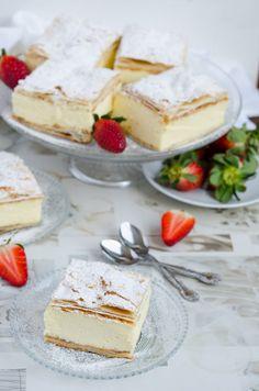 Cremsnit cu vanilie - Din secretele bucătăriei chinezești Feta, Dairy, Cheese, Desserts, Tailgate Desserts, Deserts, Postres, Dessert, Plated Desserts