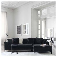 Meridiani - Lewis up modular sofa Black Corner Sofa, Velvet Corner Sofa, Black Sofa, Velvet Sofa, Navy Couch, Living Room Interior, Home Living Room, Living Room Decor, Modular Couch