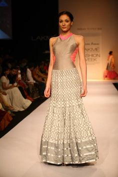 Grey geometrical pattern dress by Shravan Kumar Lakme Fashion Week, India Fashion, Asian Fashion, Fashion Weeks, Indian Bridal Wear, Indian Wear, Indian Dresses, Indian Outfits, Desi Wear