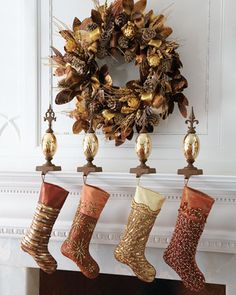 Great use of the metallic trend. #Holiday #Christmas #Home #Decor #IntDesignerChat
