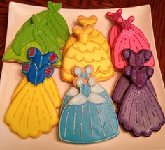 Disney princess sugar cookies! I wonder if I could do this with a wedding dress cookie cutter. Hmm.