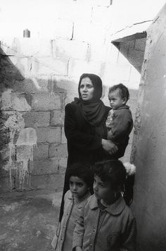 Jean Mohr A needs assessment visit to stricken families, Khan Yunis, Gaza, 2002