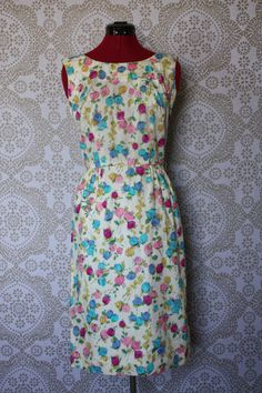Vintage 1950's Floral Print Bombshell Wiggle by pursuingandie, $72.50