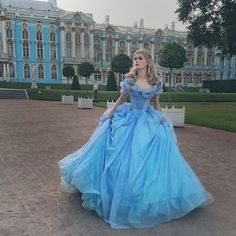 """Mi piace"": 2, commenti: 1 - Trisha Layons cosplay (@trisha_layons) su Instagram: ""I'm in love with this backstage photo qwq {#Cinderella #Cinderella2015 #cosplay #Cinderellacosplay…"""