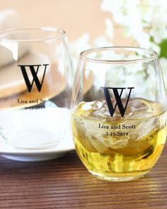 For a wedding day that flows as smoothly as wine, toast to your love with these elegant stemless wine glasses! Use these beautiful glasses to build a bold centerpiece filled with colored candies, or toast to a bright future with stemless glasses – no more worries about broken stems or accidental glass tipping.