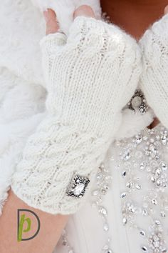 #winter wedding gloves  {blog}: Eric & Emily Get Married  @Kathy Chan Morris made them!!