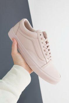 Vans Old Skool Trainers All Pink Vans, Pastel Vans, Pastel Shoes, Vans Old Skool Trainers, Mens Trainers, Fab Shoes, Men's Shoes, Vans Outfit, Powder Pink