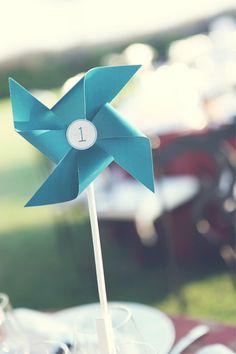 marcador de mesa com moinho de vento