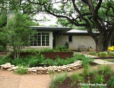 Austin, Texas home + rusty architectural details