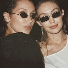 Bella hadid and Gigi hadid Kendalll Jenner, Kardashian, Photos Bff, Bella Gigi Hadid, Vetement Fashion, Celine, Sunnies, Beautiful, Queens