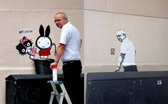 Graffiti removal guy comes back to discover image of himself sprayed in the same spot. By DS.  http://www.streetsy.com/post/54948571306/by-ds-london-uk-www-dsart-co-uk