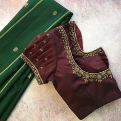 Cutwork Blouse Designs, Simple Blouse Designs, Blouse Neck Designs, Simple Designs, Ikkat Dresses, Maggam Work Designs, Hand Work Blouse Design, Maggam Works, Designer Blouse Patterns