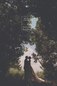 Wedding photography, simply visit the useful pin idea ref 4776118090 right now. Pre Wedding Poses, Pre Wedding Photoshoot, Wedding Shoot, Wedding Couples, Couple Photography Poses, Wedding Photography, Photography Ideas, Wedding Posters, Engagement Photo Poses