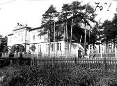 Kuvagalleria: Kalevan vanhoista kuvista voi ihmetellä Oulun seudun vanhoja kouluja: kansakouluja, Tyttölyseota, teollisuuskoulua ja naistyökoulua.