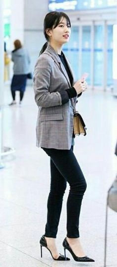 Suzy Incheon Airport. Arrival from Italy 2017