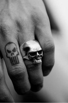 skull ring  http://www.creativeboysclub.com/  http://www.creativeboysclub.com/wall/creative