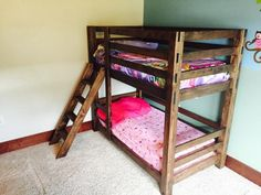 31 Free DIY Bunk Bed Plans & Ideas that Will Save a Lot of Bedroom Space - - Bunk beds are great to save bedroom space with 2 or more person. If you want to build it, bookmark this collection of free DIY bunk bed plans. Pallet Bunk Beds, Safe Bunk Beds, Toddler Bunk Beds, Bunk Beds With Stairs, Cool Bunk Beds, Twin Bunk Beds, Kid Beds, Bunk Beds For Toddlers, Pallet Furniture