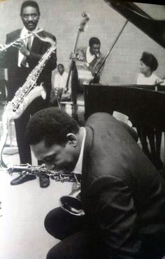 John Coltrane, Pharoah Sanders, Alice Coltrane and I'm guessing its Jimmy Garrison, and Rashied Ali at the back Jazz Artists, Blues Artists, Jazz Musicians, Rock N Roll, Rock Indie, Pharoah Sanders, Alice Coltrane, Francis Wolff, A Love Supreme