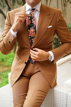 Business Casual Dresscode, Business Formal, High Fashion, Mens Fashion, Classic Fashion, Suit Fashion, Fashion Tips, Paisley Tie, Brown Floral