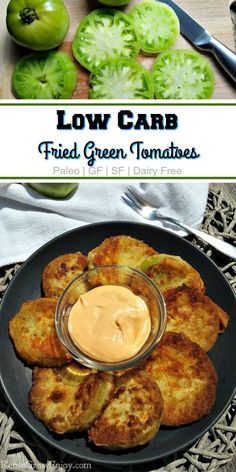 have to wait til your tomatoes are ripe to enjoy. This healthier low carb fried green tomatoes recipe lets you have a treat and stick to a diet! It is gluten free, low carb and Paleo! Fried Green Tomato Sauce, Fried Tomatoes, Fried Green Tomatoes Recipe Healthy, Baked Green Tomatoes, Green Tomato Recipes, Veggie Recipes, Paleo Recipes, Recipes For Tomatoes, Paleo Food