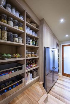 22 Unique Kitchen Pantry Ideas to Make Your Kitchen Efficient ⋆ masnewsclub #kitchenideas #kitchenpantryideas #kitchenorganization