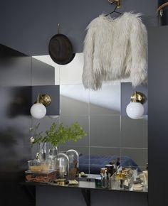 IKEA Deutschland | Eine ganze Wand mit Spiegeln zu dekorieren ist eine wirkungsvolle Methode, um Räume optisch zu vergrößern. Leg sie in Muster nach Geschmack oder bau rundum immer weiter an bis zur gewünschten Form und Größe.